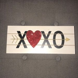 XOXO wooden table top decor 💘